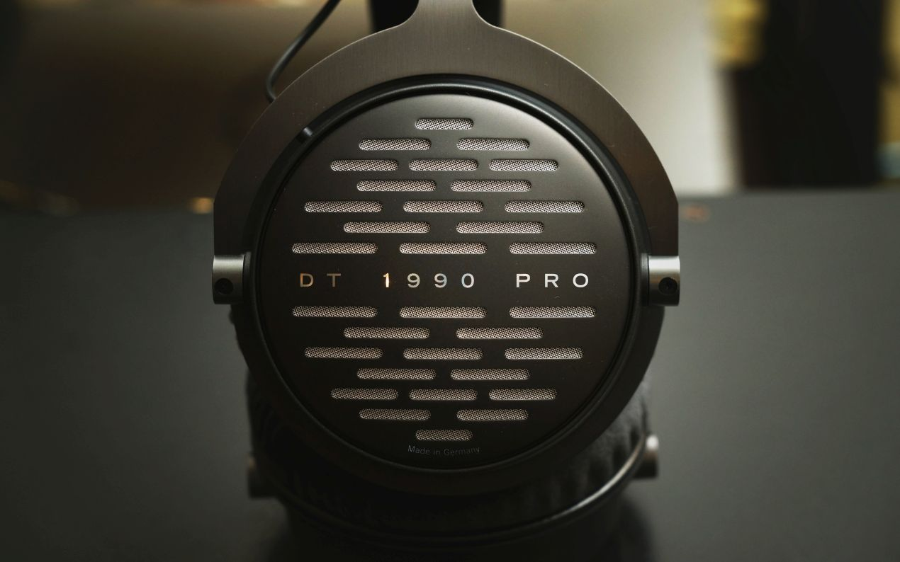 beyerdynamic dt 1990 pro personal audio by hifi review. Black Bedroom Furniture Sets. Home Design Ideas